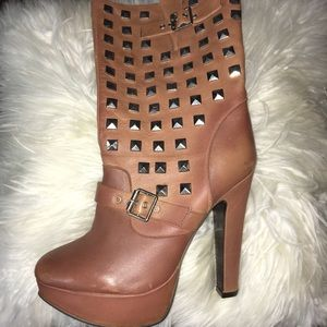 Studs Bakers Boots